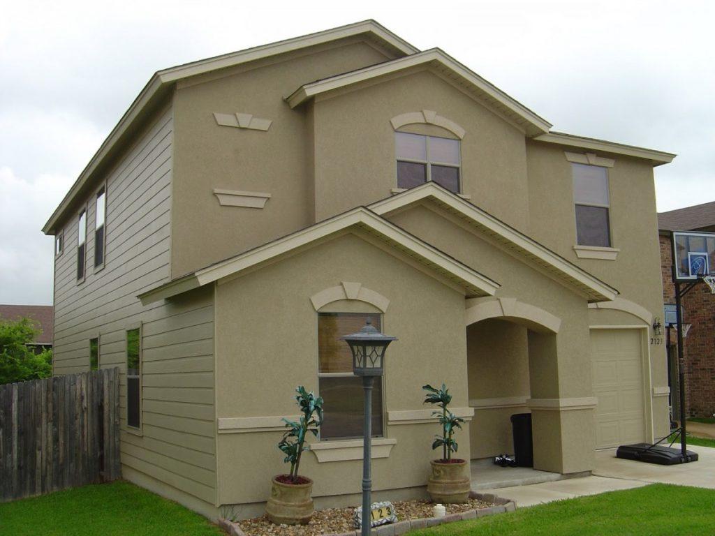 крашеные фасады домов фото вижу