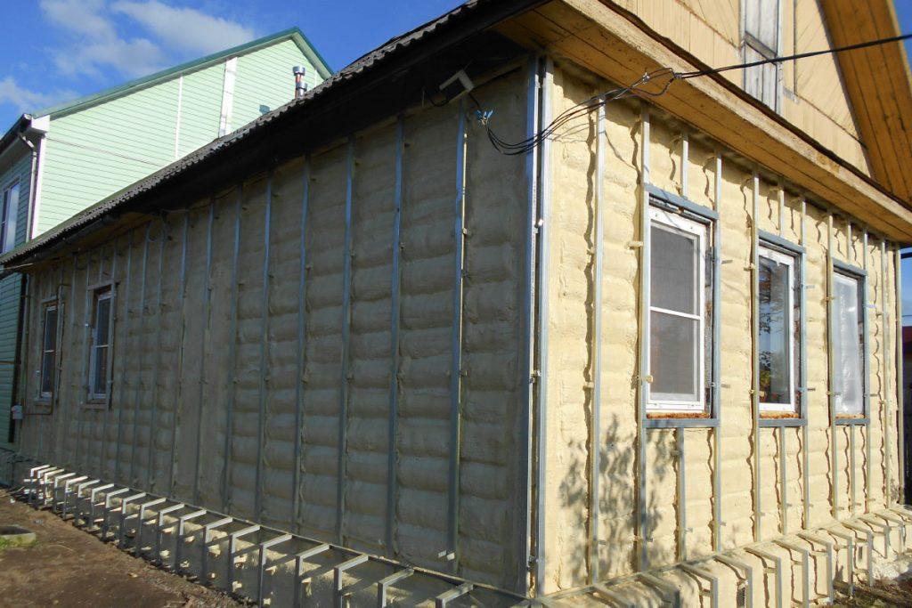 брусовой дом утепление напылением фото еще одна